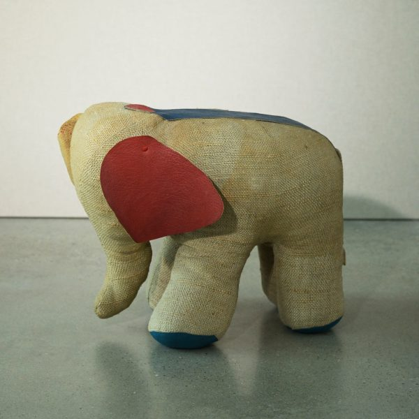 Elephant by Renate Müller