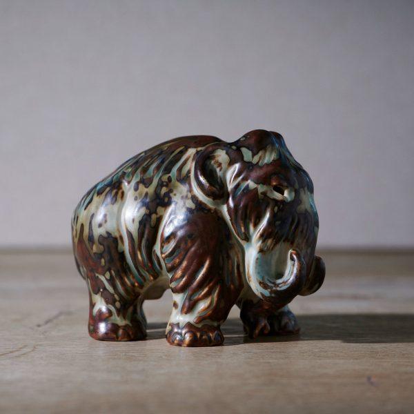Mammoth by Knud Kyhn