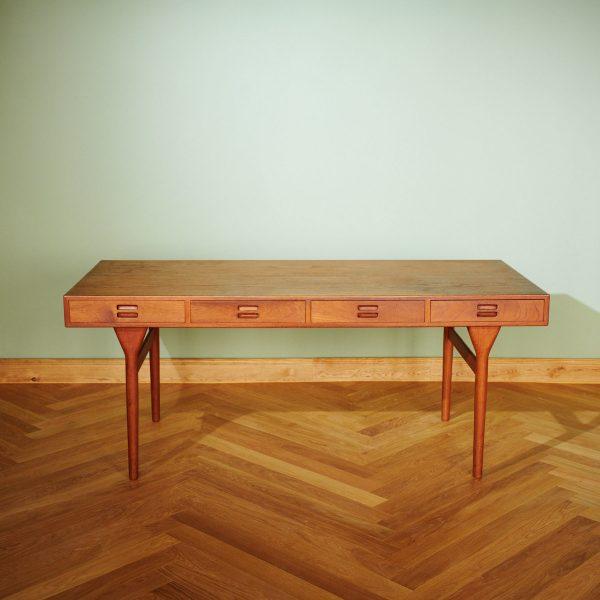 Desk Model ND 93 by Nanna Ditzel